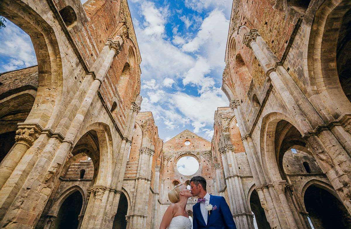 San Galgano Matrimonio Toscana Siena Sovicille Fotografo Sposi